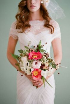 Or super tiny veil? Classic short sleeve white wedding dress; Featured Photographer: Elizabeth Messina