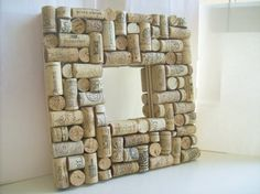Still collecting my corks for stuff like this! cork memo board with mirror by LullabyGR on Etsy, Easy Projects, Craft Projects, Craft Ideas, Cork Frame, Cork Art, Wine Cork Crafts, Diy For Men, Wine Corks, Wine Bottles