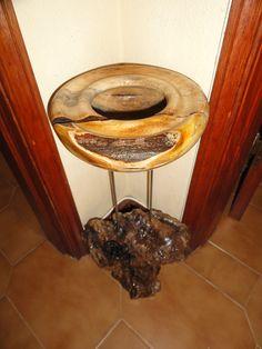 Taça com base (Altura 46cm) - Raiz de oliveira e figueira (Torneado por Alberto Freire)