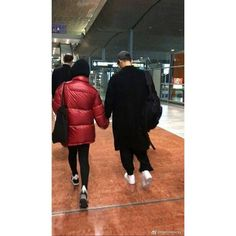 Songsong Couple, Song Joong Ki, Kdrama, Winter Jackets, Menswear, Couples, Instagram Posts, Korean, Sun