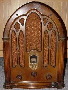 GE J-80 Cathedral Radio (1932)