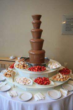 Chocolate Fountain Bar, Chocolate Fountains, Birthday Party For Teens, Sweet 16 Birthday, Birthday Snacks, Herbalife Shake Recipes, Sweet 16 Cakes, Sweet Sixteen Parties, Reception Food
