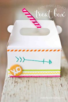Easy Embellished Treat Boxes- these are such a great way to give cookies, cupcakes or other treats!