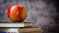 Get More Parent Volunteers in the Library - Elementary Librarian Teacher Books, Math Teacher, Teacher Resources, Inbound Marketing, Teacher Appreciation Gifts, Teacher Gifts, First Day Of School, Back To School, Middle School