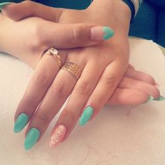 Image via We Heart It #hybrid #nails #semilac