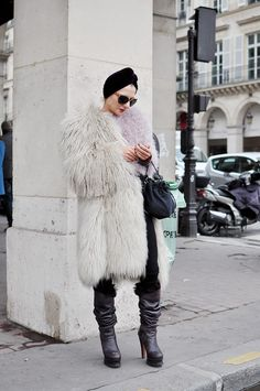 Nothing like fur and turban in Paris. http://www.smaggle.com/2011/11/01/turn-enters-room/ #catherinebaba