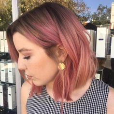 50 Popular Pink and Rose Gold Hair Shades for 2018 Pink balayage short hair bob Brown Ombre Hair, Ombre Hair Color, Brown And Pink Hair, Blue Hair, Balayage Brunette, Balayage Hair, Short Bob Hairstyles, Cool Hairstyles, Haircuts