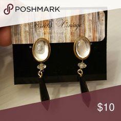 Drop earrings Cute drop earrings. Clearstone stud with black beaded drop. Vintage Jewelry Earrings