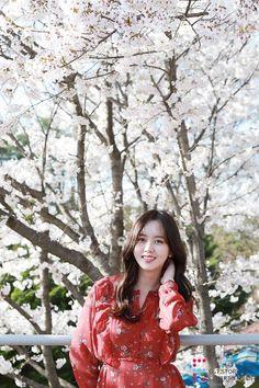 [김소현] ★단독공개★ 소현배우와 함께 나들이 가실래요? : 네이버 포스트