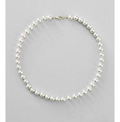 simple pearl bracelet... beautiful!