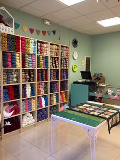Meet DROPS store Delana, located in Sevilla, Spain!   Find a #DROPSDesign store near you here: http://www.garnstudio.com/findastore.php?cid=19&id=19