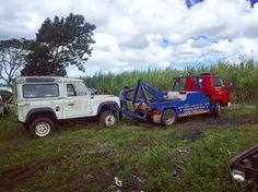 Land Rover DEFENDER. The offroad King. Master of 4wheel drive. Taking this Landy from graveyard to my yard . #defender #defender90 #landrover #landroverdefender #defenders #british #offroad #offroadnation #discovery #ontopoftheworld #towing #towingservice #backtolife #backtoreality #icon #for #68 #years #landy #iphone6s #iphonegraphy #shotoftheday #amazing #greatness by rajivkabilas Land Rover DEFENDER. The offroad King. Master of 4wheel drive. Taking this Landy from graveyard to my yard…