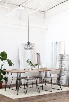 Industrial: an instant classic, the Reno dining table is striking thanks to it's hairpin iron legs and mango wood surface with raw organic edges.