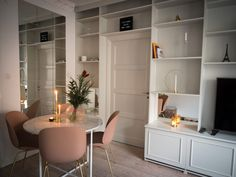 You searched for förvaring - Page 2 of 6 - Annica Englund Library Wall, Empty Room, Wall Storage, Home Staging, Kitchen Dining, Dining Table, Bookshelves, Sweet Home, Living Room