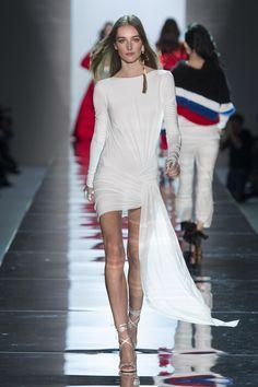 Défilé Alexandre Vauthier Printemps-été 2017 Haute couture | Le Figaro Madame