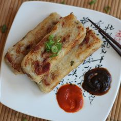 Turnip Cake (蘿蔔糕), a popular Cantonese dish on Chinese New Year and my all-time dim sum favorite.