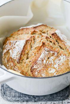 Irish Soda Bread in dutch oven Best Dutch Oven, Dutch Oven Bread, Dutch Oven Recipes, Quick Bread Recipes, Irish Recipes, Irish Bread, Irish Soda Bread Recipe, Baking Flour, Bread Baking