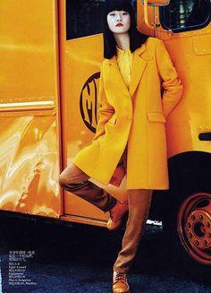 e Model: Hyoni Kang (Ford) Editorial: A-Z for Colors Magazine: Vogue China, September 2011 Photographer: Lincoln Pilcher Stylist: Morgan P. Vogue China, Vogue Uk, Vogue Paris, Orange Fashion, Colorful Fashion, Trendy Fashion, Orange Crush, Moda China, Look 2018