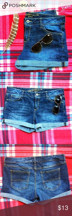 ArizonaJean Shorts 11 Arizona Jean Company Brand New W/Out Tags Jean Shorts. Mid Rise Whisker Cuffed Blue Shorts Size 11 Arizona Jean Company Shorts Jean Shorts
