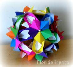 *Kusudama - Adaga em Flor   .Criação: Isa Klein   . Confecção: Margareth Mazzilli    Confeccionado com 30 módulos  Tamanho do papel utilizado: 7,5cm x 7,5cm