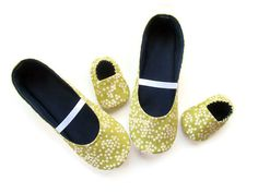 Items similar to Mom and Baby Slipper Set - Molipop Slippers in Lime Green Floral Print on Etsy Baby Slippers, Mom And Baby, To My Daughter, My Design, Lime, My Etsy Shop, Floral Prints, Trending Outfits, Unique Jewelry