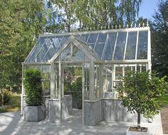 Fikonträd på tvären söker Viktorianskt växthus | FINRUM Garden Cottage, Conservatory, Villa, Victorian, Image, Green Houses, Sheds, Outdoors, English