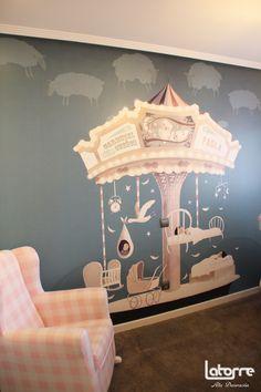 Mural de Papel Pintado en la habitación del bebé de Ruth, para que podáis ver este producto en un espacio real.