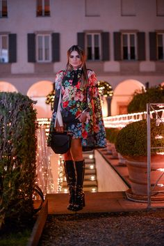 """fuckyeah-bloggers: """"blog da thássia """" Fashion blogger Thássia Naves fromblogdathassia.com.br in Gucci boots Source: blogdathassia - mfw-flower-power"""