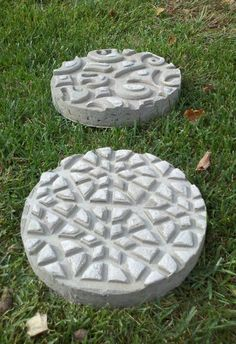 DIY Garden Stepping Stones | The Owner-Builder Network