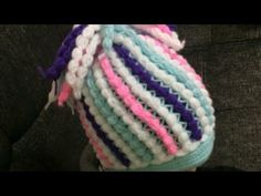 Fıstıklı bere modeli yapımı - YouTube Easy Crochet, Crochet Hats, Friendship Bracelets, Beanie, Knitting, Accessories, Youtube, Caps Hats, Amigurumi