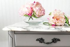 15 Stunning Painted Furniture (Before and After) Makeovers Painted Bedroom Furniture, Chalk Paint Furniture, Furniture Projects, Furniture Makeover, Painted Furniture, Diy Furniture, Stripping Furniture, Diy Projects, Before And After Diy