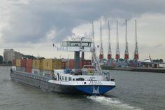 Rhine barge, Rotterdam Docks. Taken by ONNHII