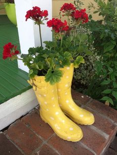 DIY boot planter from Goodwill