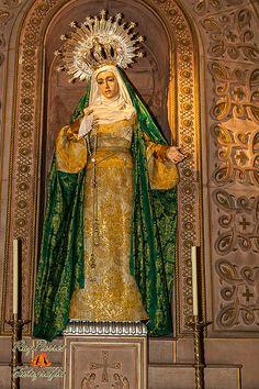 Procesion extraordinaria de Maria Santisima de la Esperanza. Octuibre de 2013. Oviedo, Asturias. España.