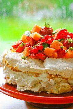 Sweet Recipes, Cake Recipes, Meringue Pavlova, Danish Food, Strawberry Blonde, Delicious Desserts, Sweet Tooth, Cheesecake, Food And Drink