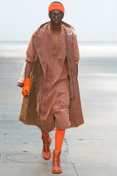 See the complete Boris Bidjan Saberi Spring 2018 Menswear collection.
