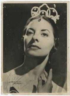 Alicia Alonso, Cuban prima ballerina :: Cuban Photograph Collections. Ballet beautie, sur les pointes !