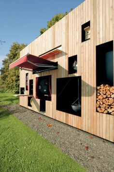 Versatile modern shed unit mixes leisure with practicality : TreeHugger