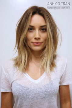 long bob, soft ombre, hair-- so tempted to cute my hair! Ombré Hair, New Hair, Medium Hair Styles, Short Hair Styles, Corte Y Color, Great Hair, Awesome Hair, Hair Today, Gorgeous Hair