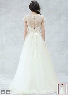 http://www.davidsbridal.com/Product_Cap-Sleeve-Gown-with-Scalloped-Detail-Bodice-KP3657 <3