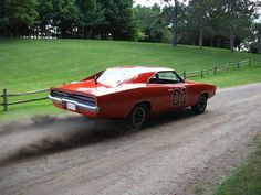 General Lee dirt road burnout.... I love how this makes a pavement burnout sound in the show!