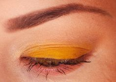 Your description here Yellow Makeup, Beauty Makeup, Makeup Looks, Chrome, Universe, Eyeshadow, Faces, Eye Shadow, Make Up Beauty