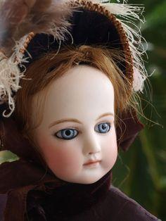 Wonderful Antique Fashion Portrait Pierre Jumeau doll 1875