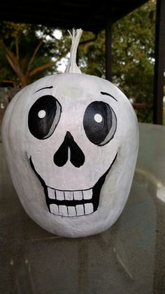 Painted by Paulette Halloween Gourds, Halloween Ornaments, Halloween Door, Halloween Crafts, Holiday Crafts, Halloween Costumes, Carved Pumpkins, Painted Pumpkins, Fall Pumpkins