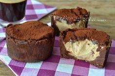 Tortine con Crema al Caffè e Mascarpone (senza cottura) Link ricetta --> http://blog.giallozafferano.it/valeriaciccotti/tortine-con-crema-al-caffe-e-mascarpone-senza-cottura/