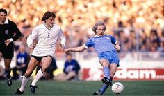 Tottenham 1 Man City 1 in May 1981 at Wembley. Glenn Hoddle watches Gerry Gow pass forward for City in the FA Cup Final. World In Motion, Tottenham Hotspur Players, Fa Cup Final, Retro Football, Wembley Stadium, North London, Manchester City, Finals, Nostalgia