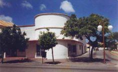 Zepp Wever's Restaurant & Ice-cream Parlor. Nassaustraat, Aruba.