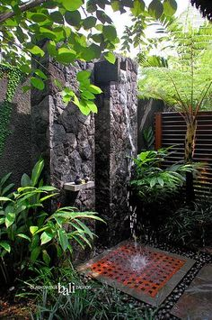 Outdoor shower could be a superb upgrade for your backyard and a great way to enhance your outdoor experience. The outdoor shower will surely provide you Outdoor Baths, Outdoor Bathrooms, Outdoor Rooms, Outdoor Gardens, Indoor Outdoor, Outdoor Living, Outdoor Decor, Luxury Bathrooms, Modern Bathrooms
