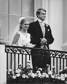 Tricia Nixon and Edward Finch Cox -The newlyweds pose on a White House balcony.