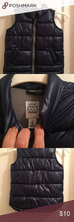 Old Navy navy blue lined zip quilted vest size 3T See photos. Small spot near middle of vest Old Navy Jackets & Coats Vests